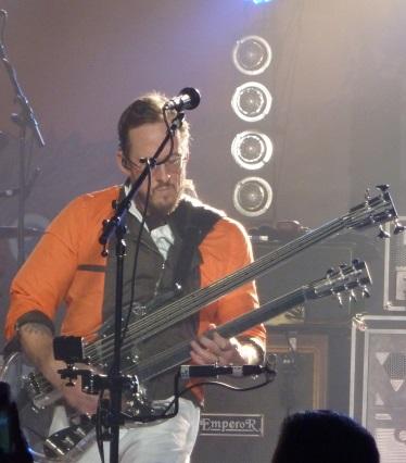 Weezer Bassist Scott Shriner