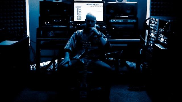 Steven Whitaker in Studio