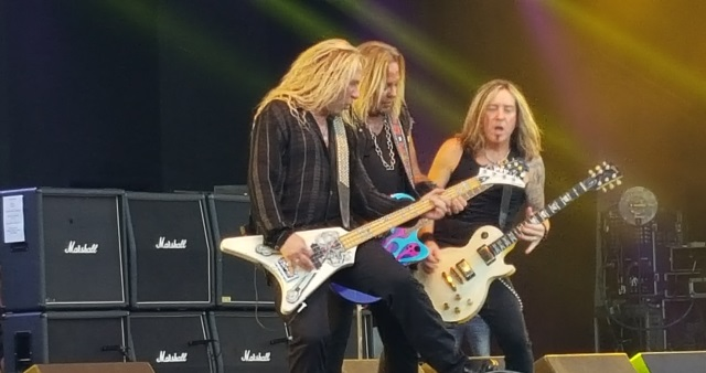Vince Neil and his band