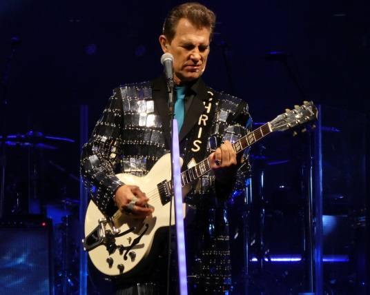 Concert Review: Chris Isaak Works Out in Bend – Drew's Reviews