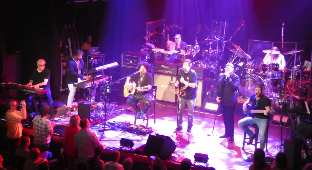 Concert Review Toto Stops In Portland During 40 Trips Around The