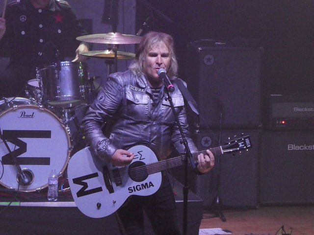 Mike Peters of The Alarm at Aladdin Theater