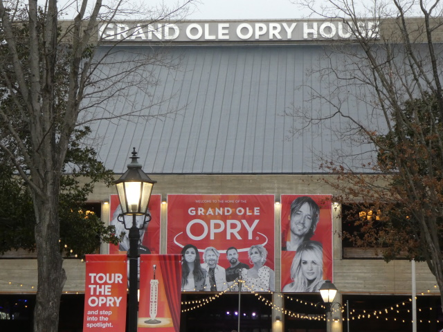 Outside view of the Grand Ole Opry House