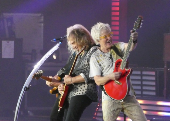 REO Speedwagon live on stage